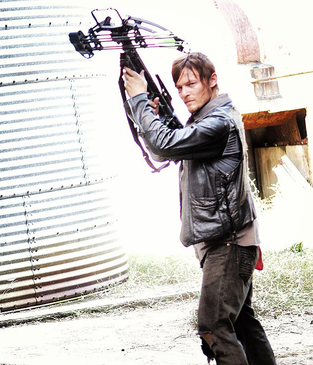 daryl-dixon-new-crossbow