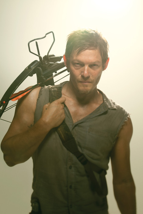the-walking-dead-daryl-crossbow-1