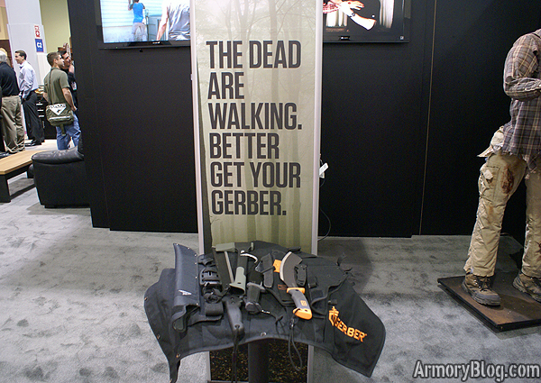 shot-show-2012-the-walking-dead-gerber-booth-weapons-pack