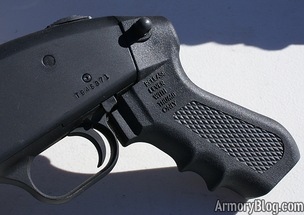 mossberg-chainsaw-review-pistol-grip