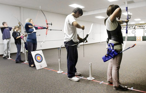 """Archery gains popularity thanks to """"Hunger Games"""""""