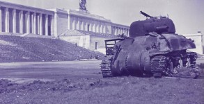 wwII-sherman-tank-nazi-germany