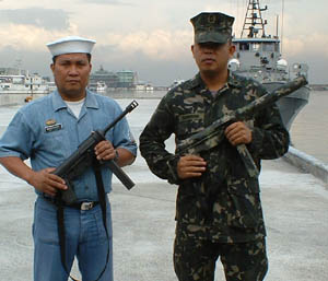 philippine-marines-grease-gun