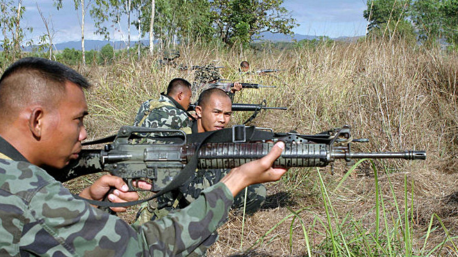 filipino-soldiers-m16