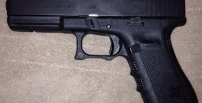 glock-17-with-glock-19-mag