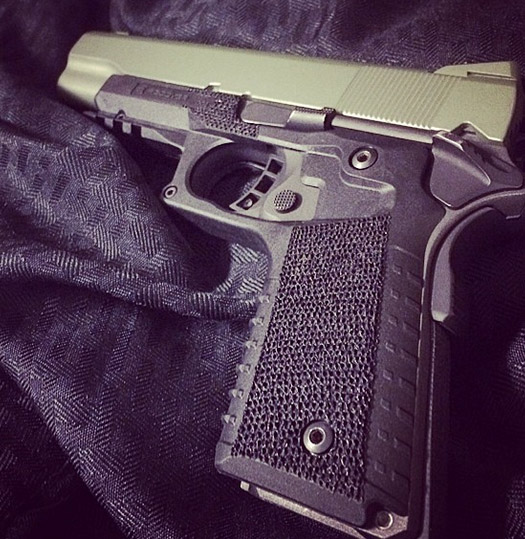 Recover-Tactical-CC3-1911-Grip-stipple