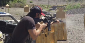 keanu-reeves-shooting-ar15